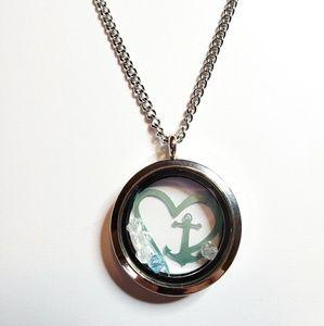 Jewelry - Heart/Anchor Locket